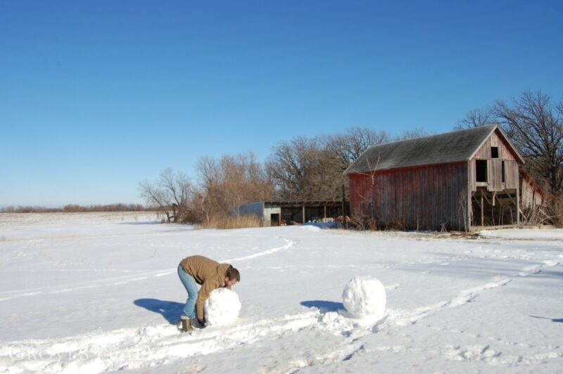 Rolling the snowman